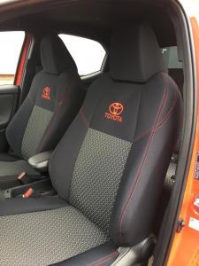 Toyota Yaris sportovní sedadla design Premium + 61/A